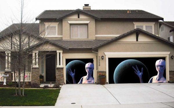 alien garage screen